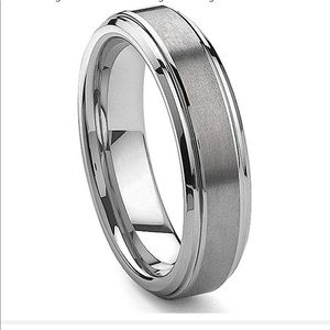 🎩 6MM Tungsten Carbide Band Ring Brushed Center